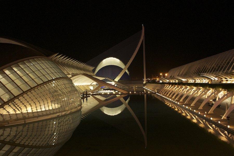 El gran museo ciéntifico imaginado por Calatrava. Foto de Cornelius van Jol.