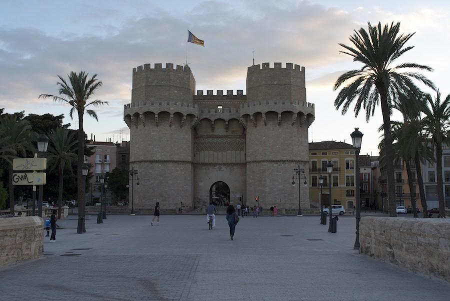Torres de Serranos una de las antiguas puertas de Valencia. Foto de Cornelius van Jol.