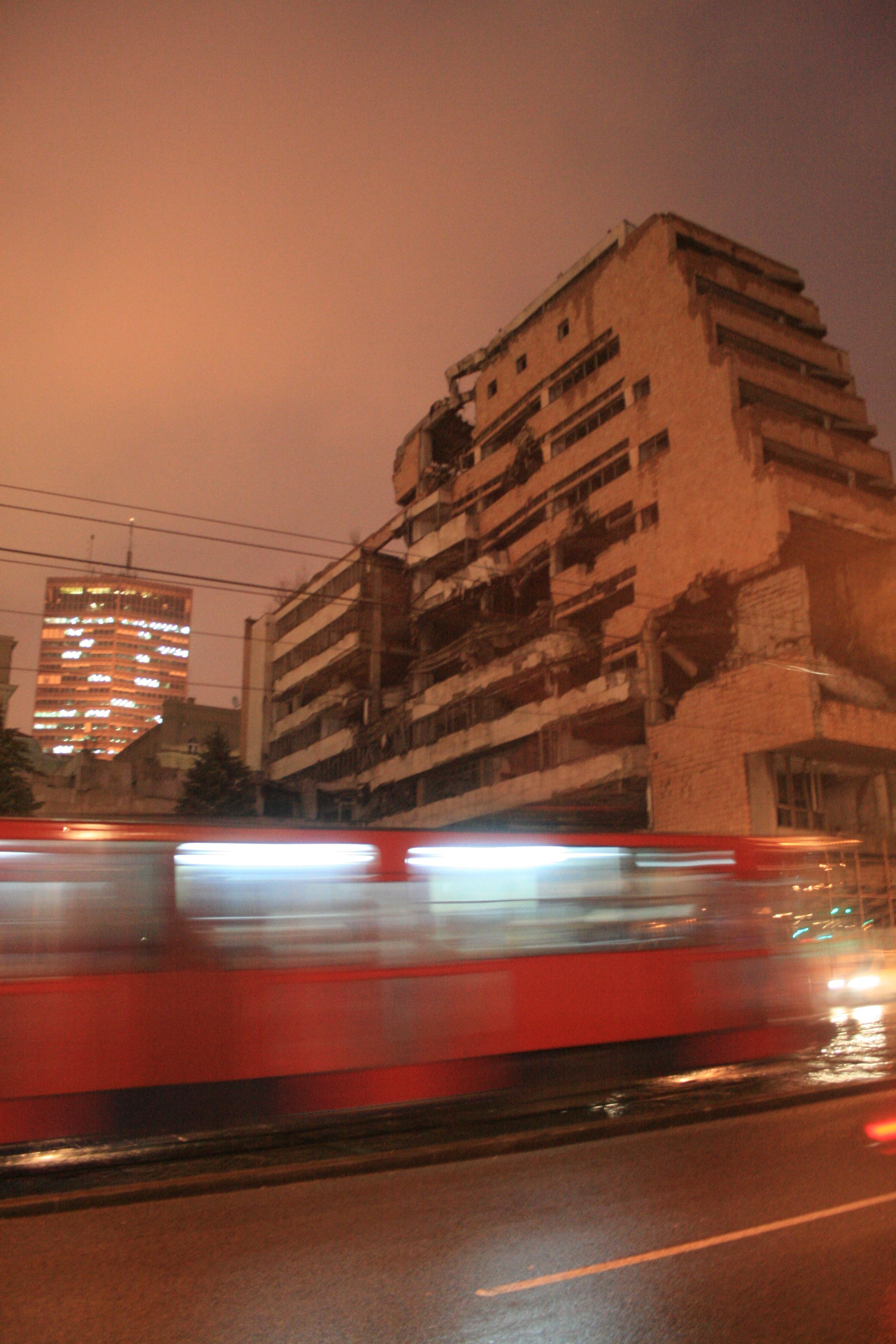 Edificios aún derruidos por la guerra de los Balcanes