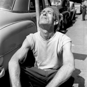Hombre al sol en Nueva York, Vivian Maier.