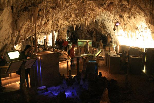 Ruta por los Balcanes 7: La Cueva de Postojna y el Castillo de Predjama