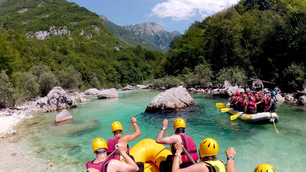 Rafting en el rio Soca en Eslovenia