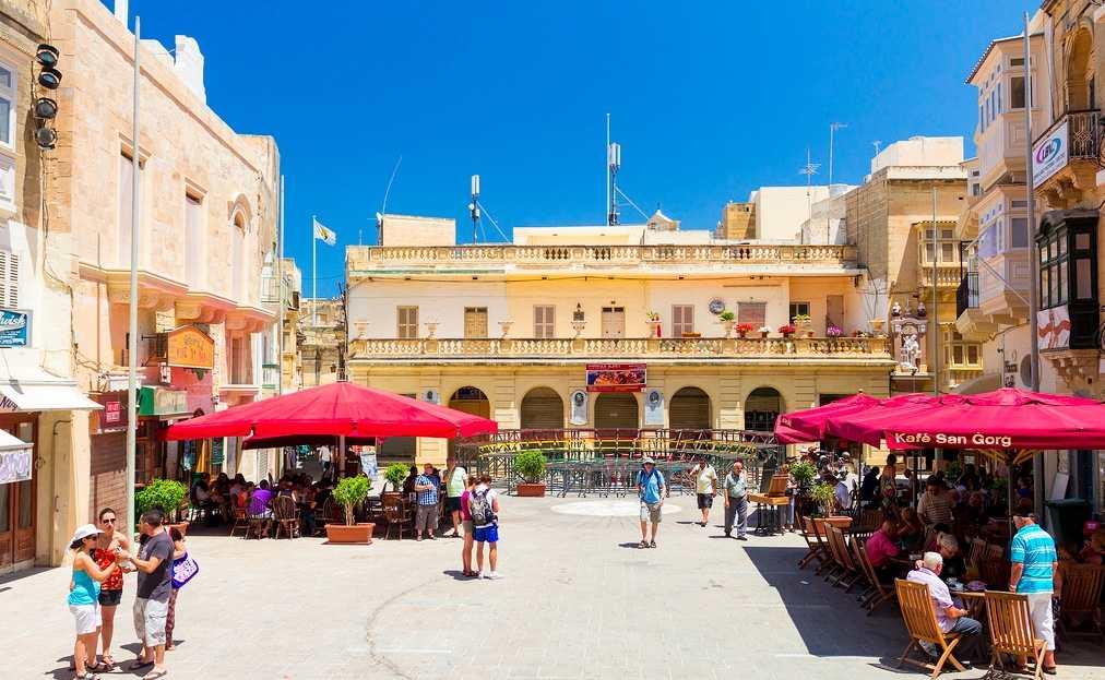 El animado centro de Victoria Rabat. Foto de Pedro Rovaniemi.