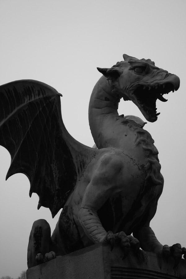 Escultura del dragón de Liubliana, símbolo de la ciudad
