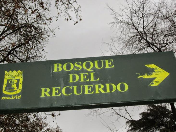 EL Bosque del Recuerdo, en el Parque del Retiro de Madrid. Ⓒ El Giróscopo Viajero.