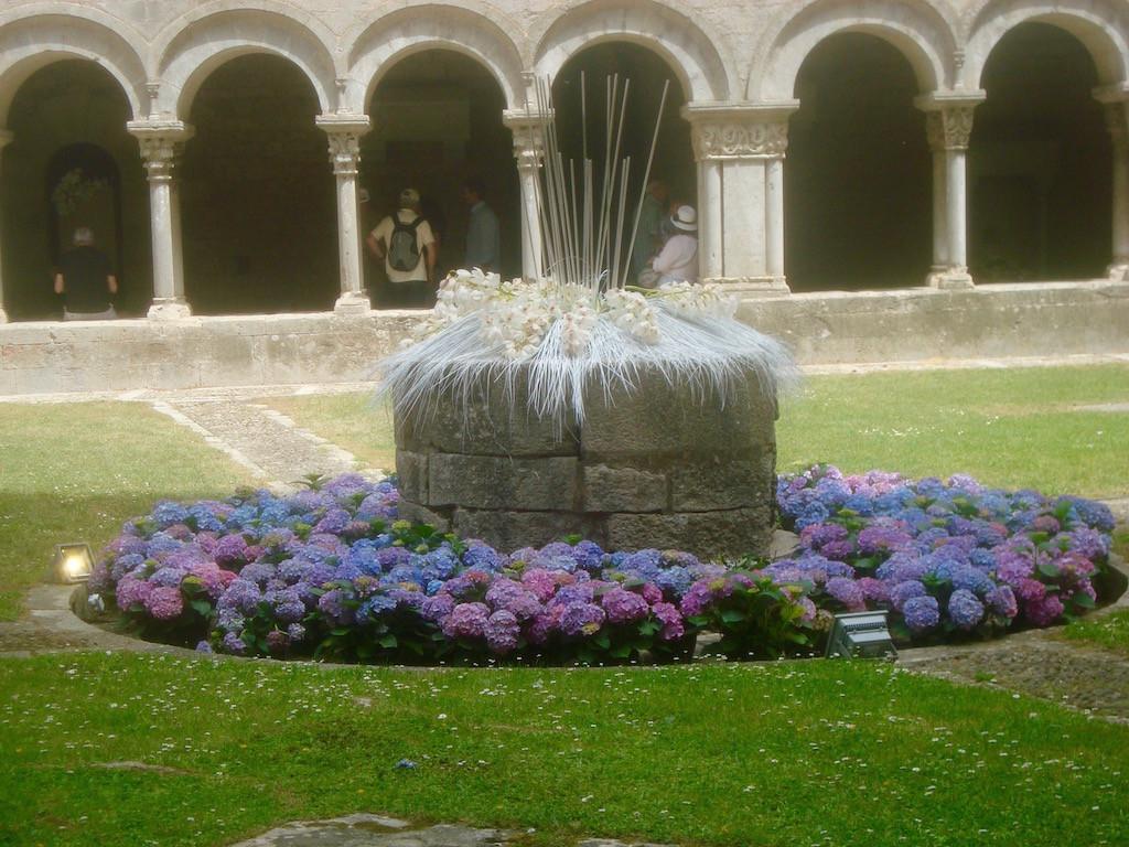 """El claustro de la catedral de Girona, magnífico en el """"Temps de flors"""". © Elbelina Carranza."""