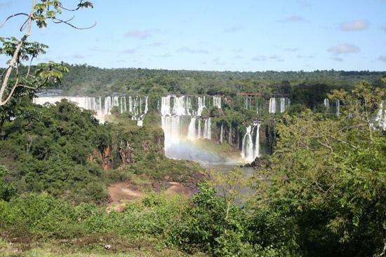 Paseo hacia las cataratas de Iguazú desde el lado de Brasil