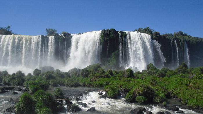 Las cataratas de Iguazú, de Brasil a Argentina