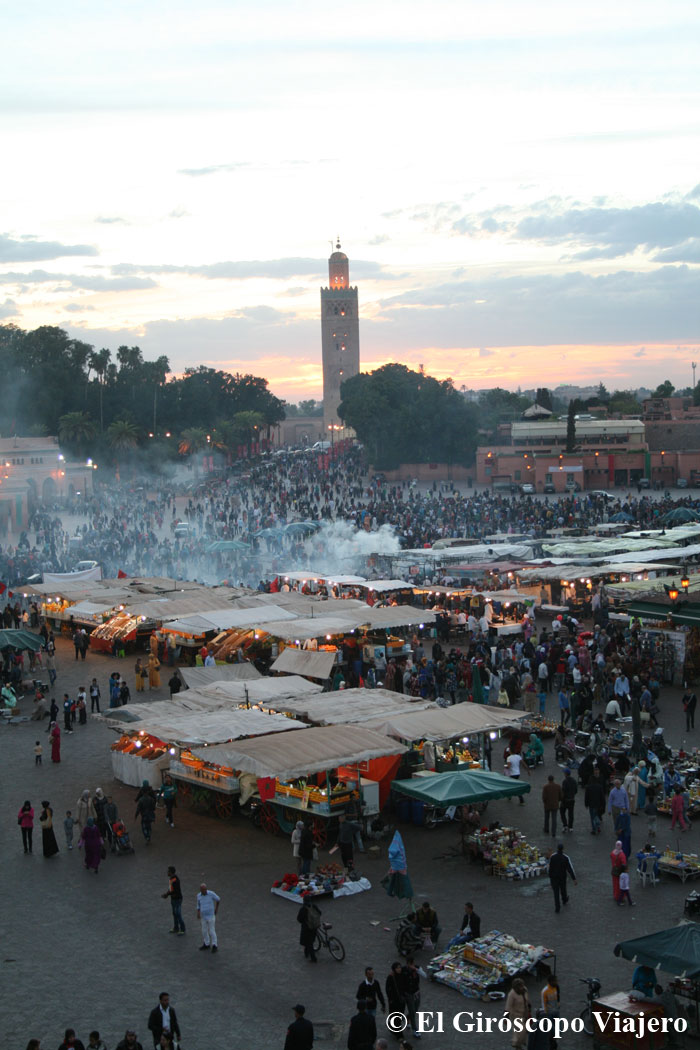 Bullicio en la Plaza de Jemaa el Fna en Marrakech