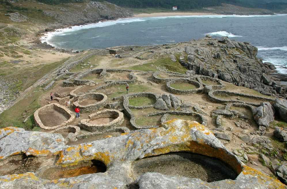 Castro de Baroña de Porto do Son en la fachada norte de la península de Barbanza.