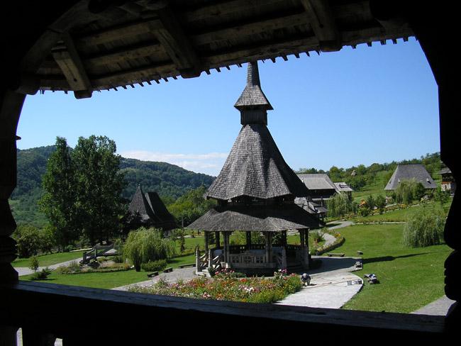 Excursión al Monasterio de Barsana en los Maramures de Rumanía