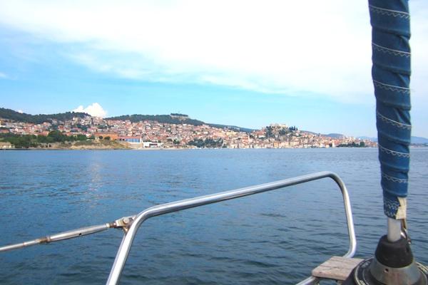 La ciudad de Sibenik desde el velero