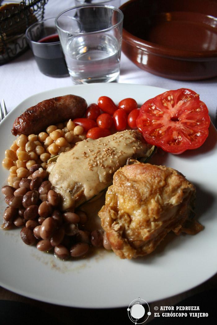 Comida en el restaurante Can Bellver