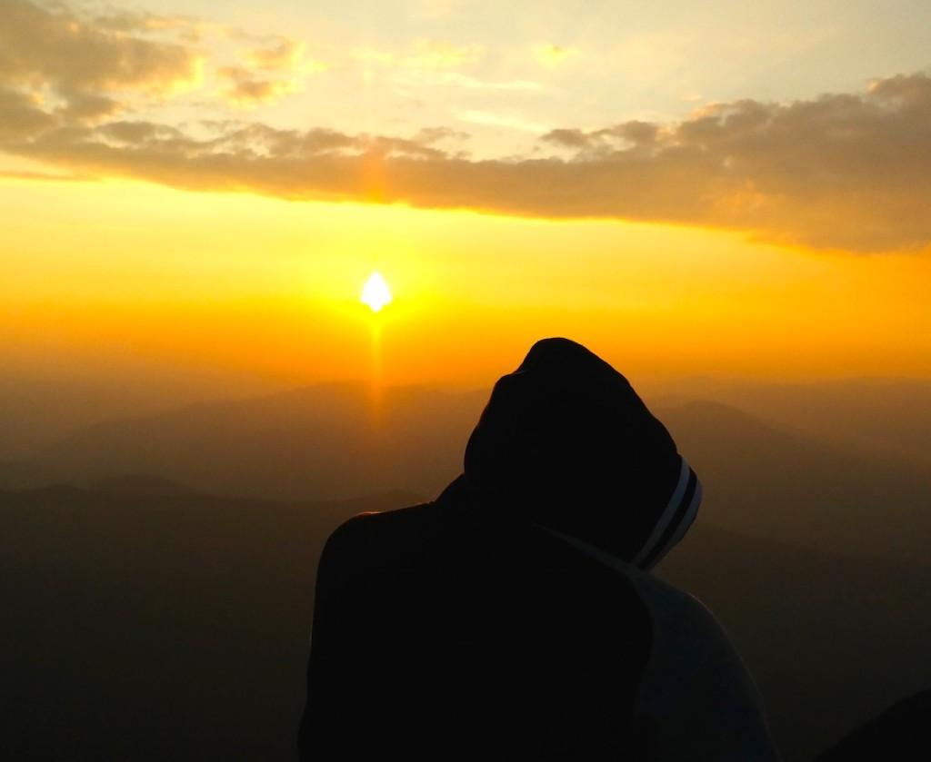 Hasta la vista Rumanía. El sol se va en el Monte Ceahlau. Con Horia Ioan. ©Iñigo Pedrueza.