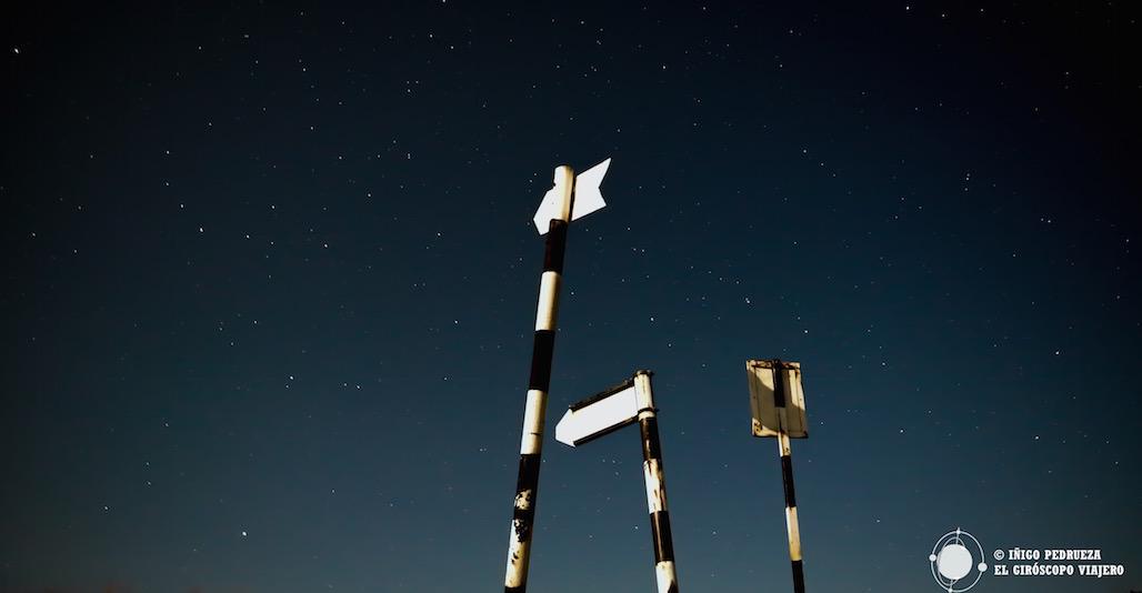 La estrellas y los carteles. Ensayo nocturno con Víctor Gómez. ©Iñigo Pedrueza.