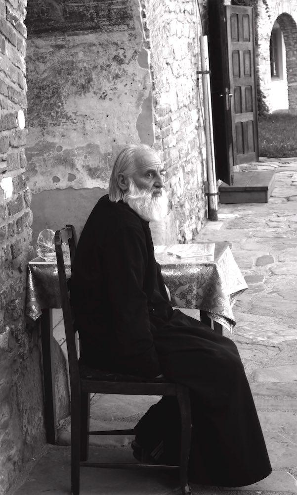 Monje ortodoxo en el monasterio de Neamt. ©Iñigo Pedrueza.