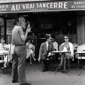 Durante el rodaje de Au bout du souffle (Al filo de. Foto de Raymond Cauchetier.
