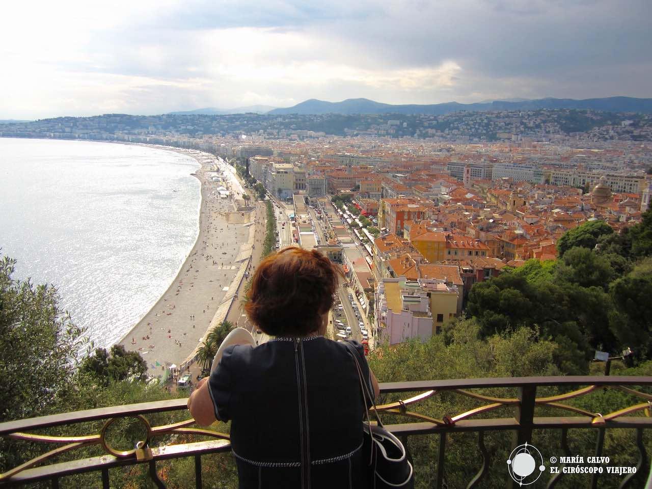 Contemplando Niza desde lo alto