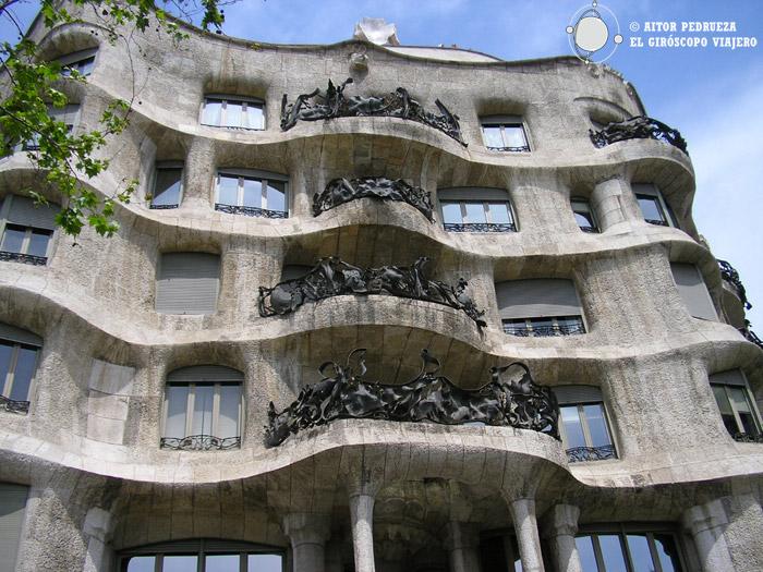 Visita a la pedrera casa mil modernismo catal n de gaud barcelona - Casa en catalan ...