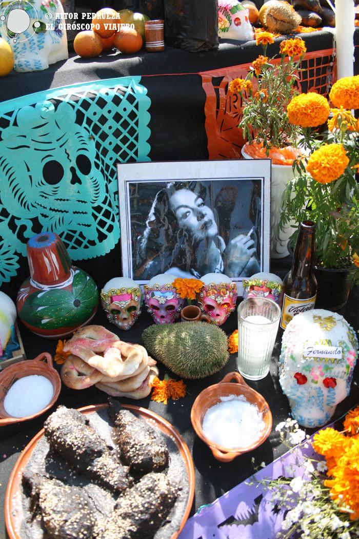 Mixquic se viste de folclore en el día de muertos de México