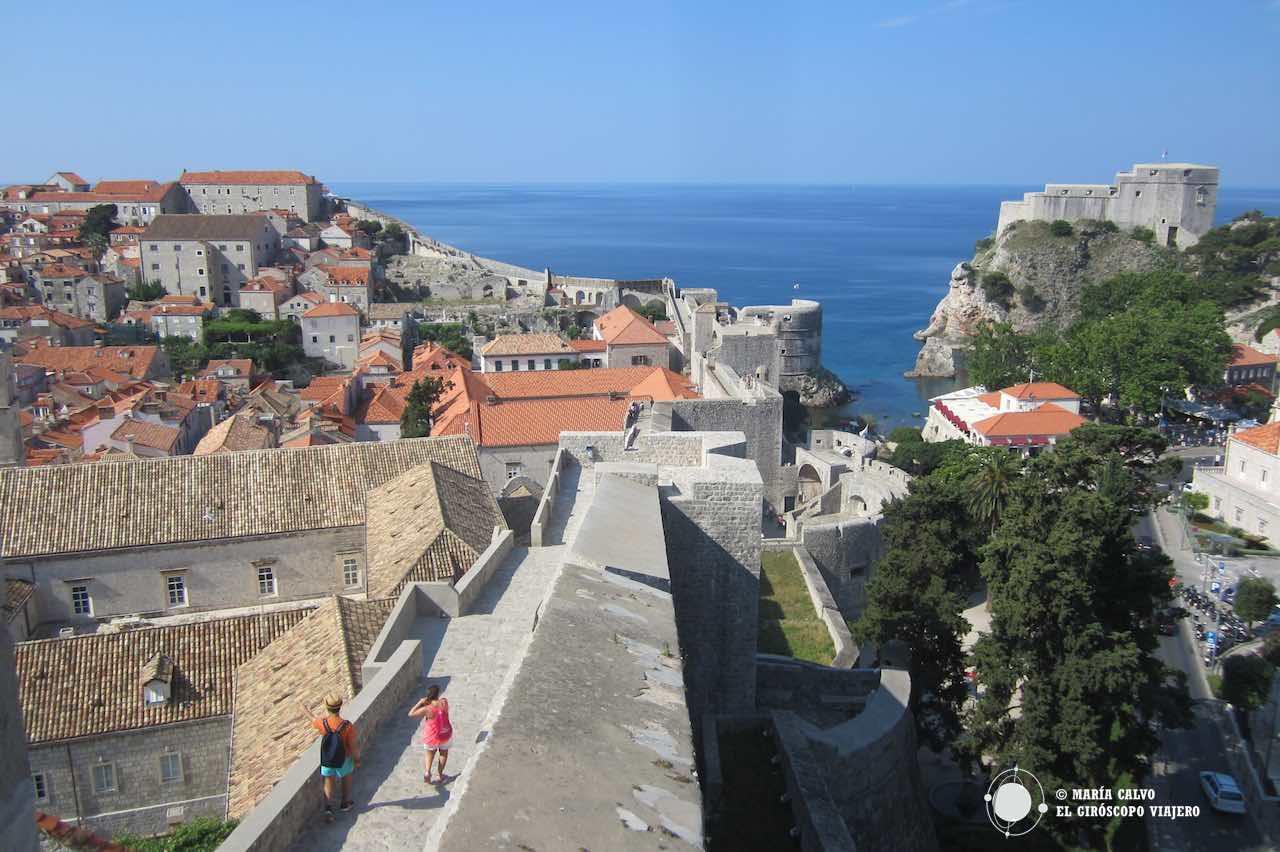 Las murallas de Dubrovnik nos llevan de paseo por las nubes