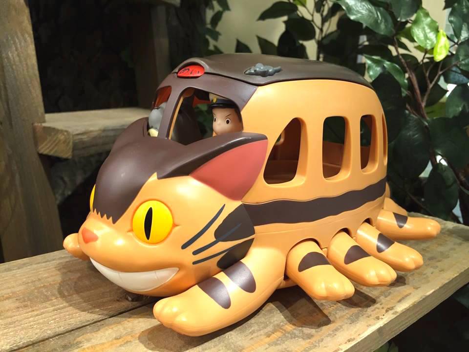 """En el Museo Ghibli, el gato autobús, de la película de Hayao Miyazaky """"Totoro"""""""
