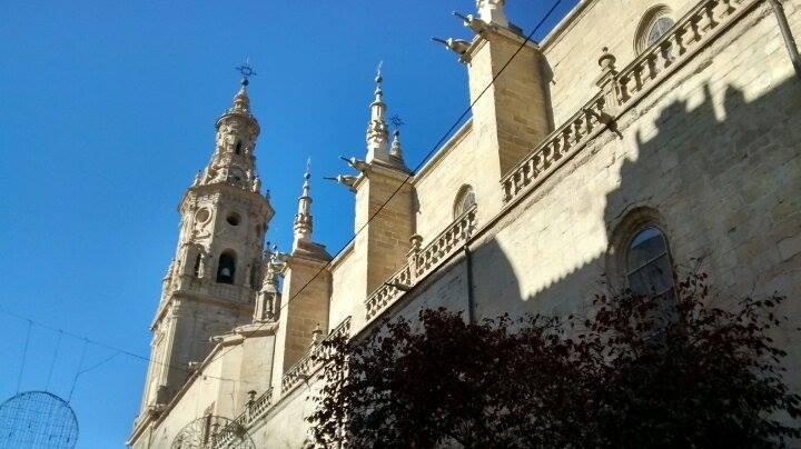 Plaza del Mercado, Con Catedral. ©Itxaso Pedrueza.