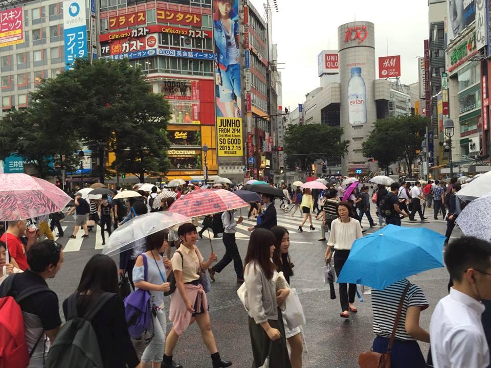 El célebre cruce de Shibuya en uno de los barrios más modernos