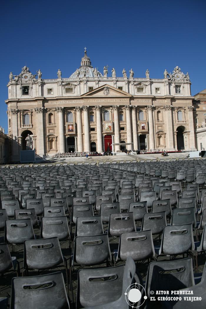 La Plaza San Pedro en el Vaticano durante nuestro viaje a Roma