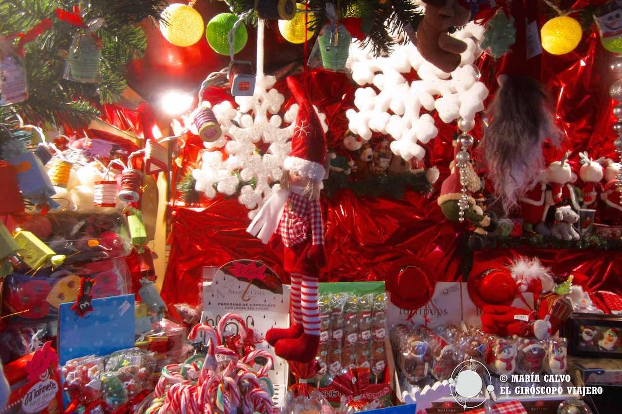 El color rojo domina en la Navidad