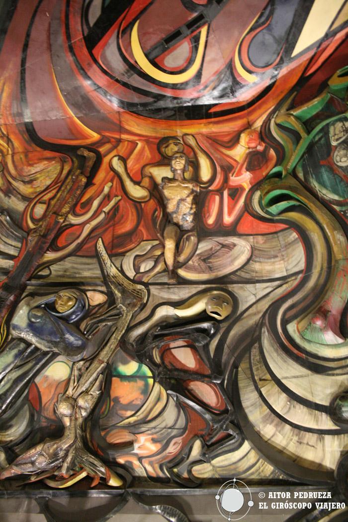 Detalle de los murales del Polyforum