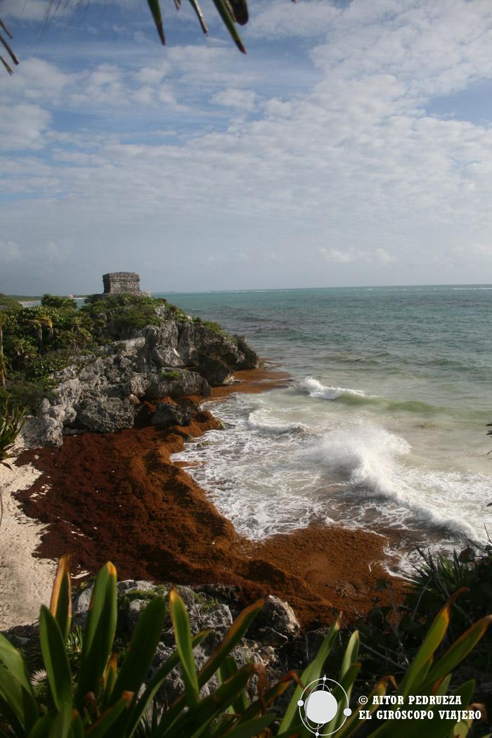 Vista de Tulum y la playa del Caribe