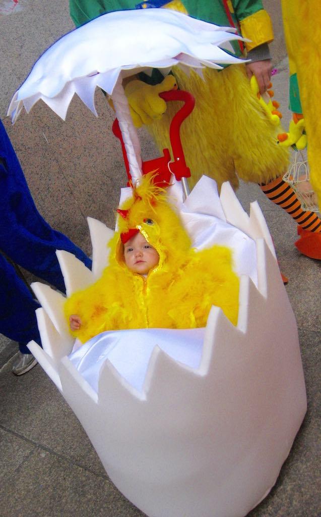 Los niños también se disfrazan en el carnaval de Xinzo. ©María Calvo.