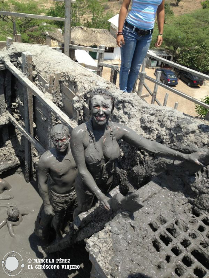 Saliendo del fango del volcán Totuma