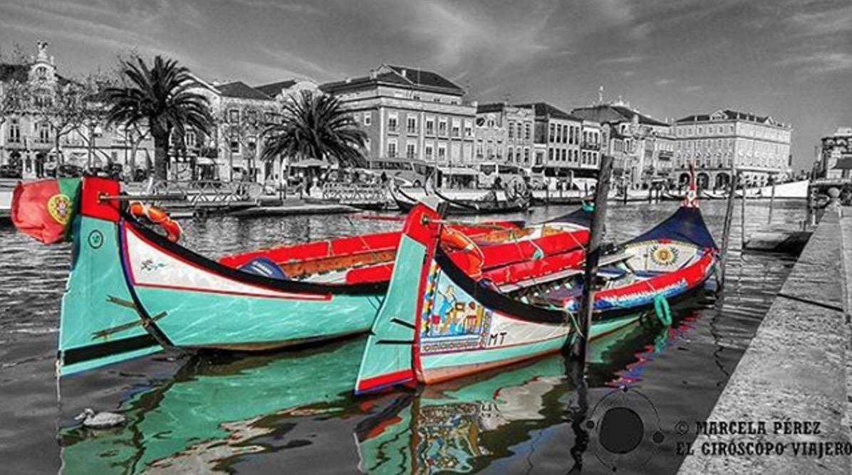 Barcas en los canales de Aveiro en el norte de Portugal. ©Marcela Pérez.