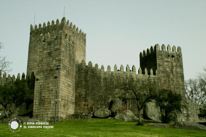 El imponente castillo sobre la parte alta de Guimaraes