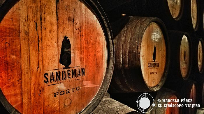 Barricas con el logo de Sandeman