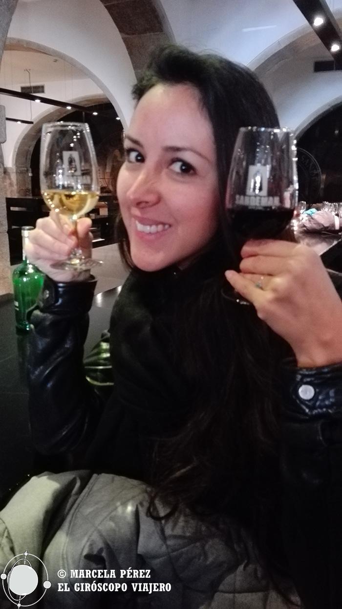 Disfrutando de nuestra cata de vinos de Porto