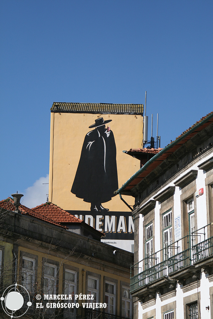 El Don de Sandeman en los muros de Porto