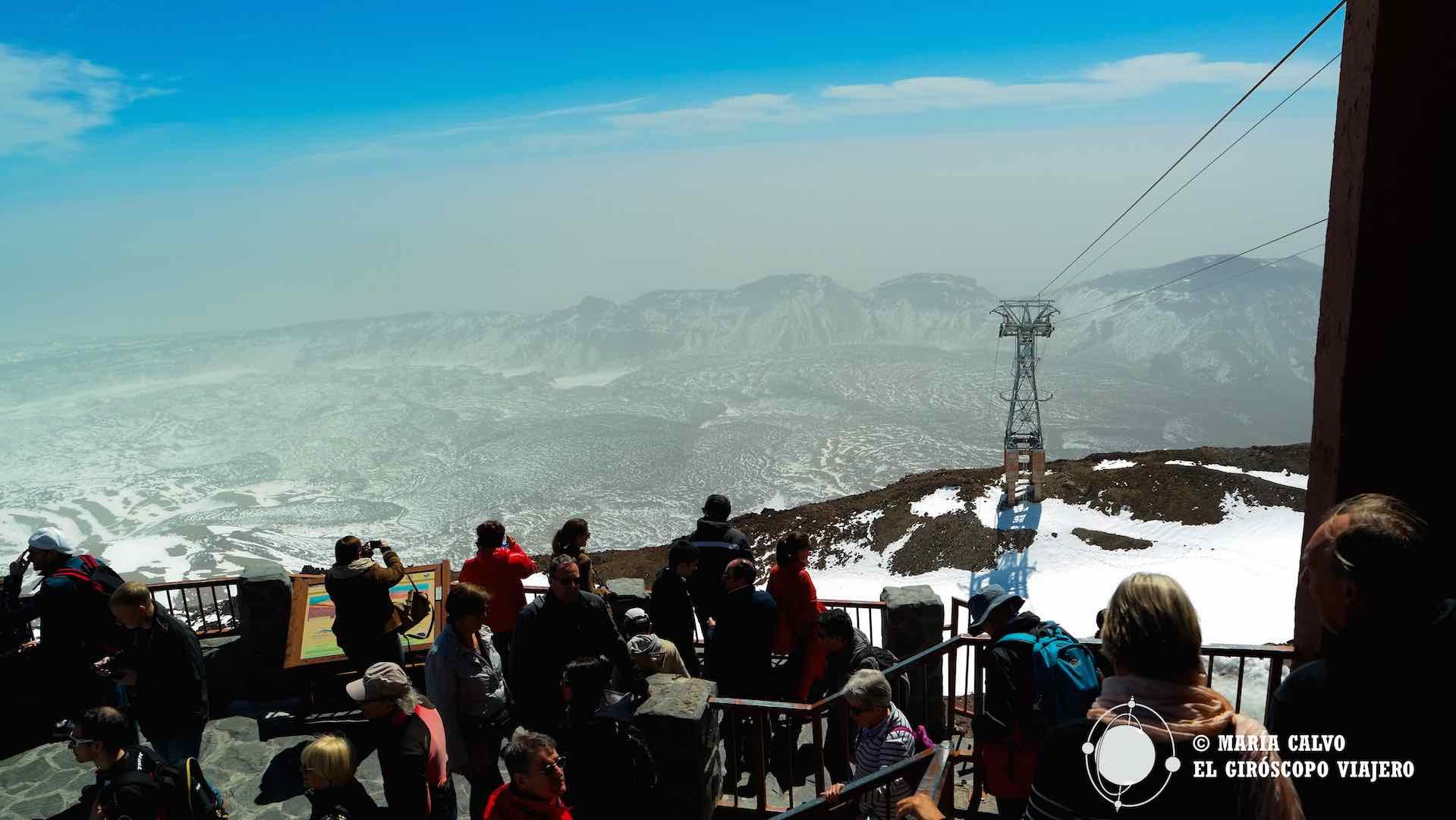 El la Rambleta, el cráter del volcán, mirador desde donde se ve la inmensidad, a un paso del pico Teide