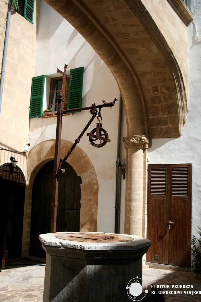 """Patio interior del Palacio de """"Sa Baronía"""""""