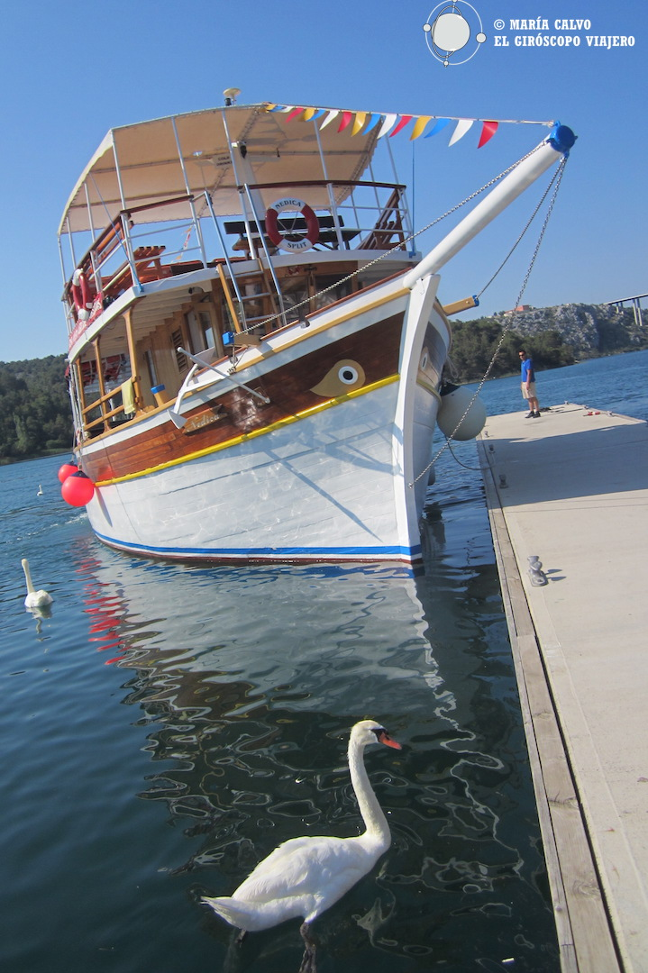El barco que nos llevará por el Parque Nacional del río Krka