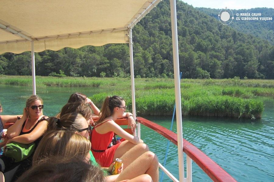 Travesía en barco por el río Krka, adentrándonos en el Parque Nacional