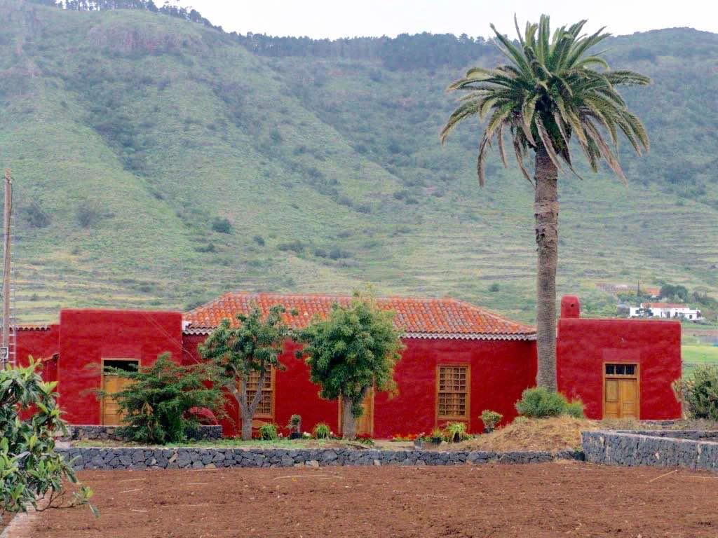 La Casa de los Zamorano, a los pies de Anaga. Foto de Alex Herrero