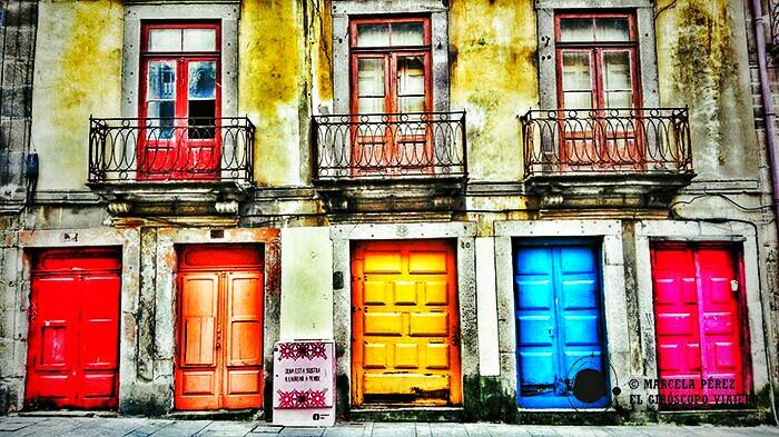 Colorido edificio en la Rua da Flores