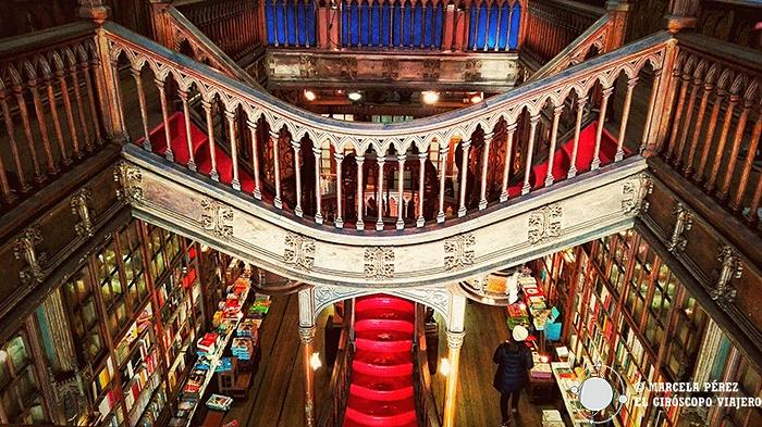 El impresionante interior de la Librería Lello e Irmao