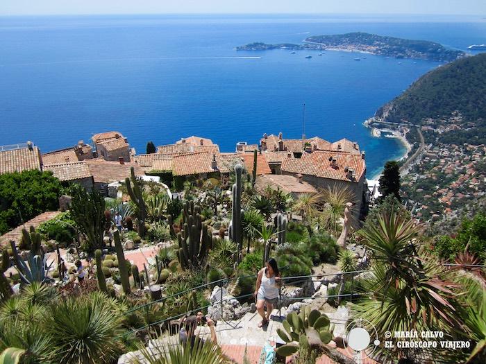 Un balcón con vistas al Mediterráneo