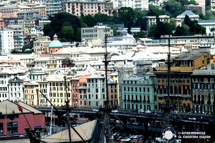 Fachadas del puerto de Génova