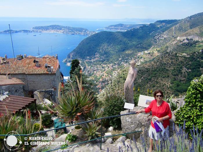 El azul del Mediterráneo a los pies del jardín exótico de Eze