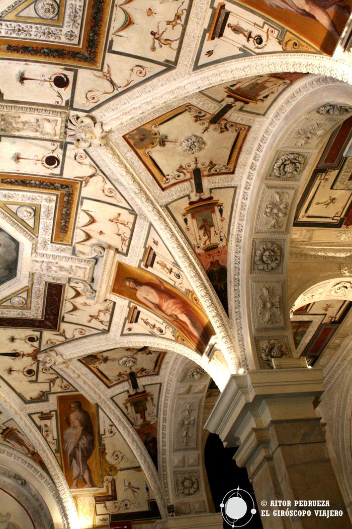 Interior de la Cámara de Comercio, uno de Palazzo Rolli de Génova